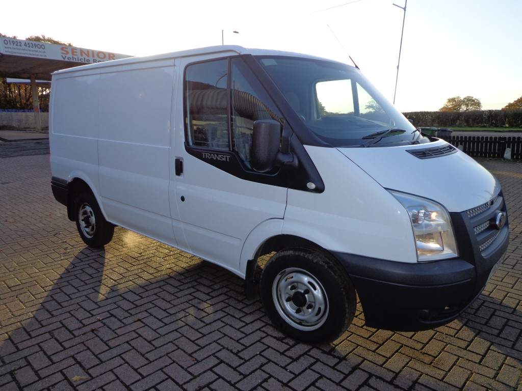 ford transit custom 290 l2h2 mwb m r van senior vehicle rental. Black Bedroom Furniture Sets. Home Design Ideas